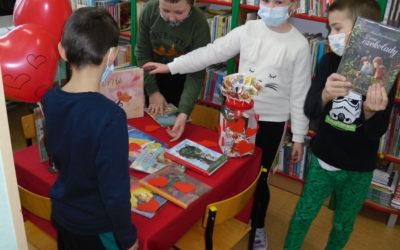 Na Walentynki zakochaj się w bibliotece :)