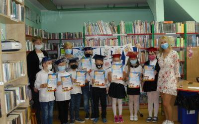 Klubowicze DKK dla dzieci Wzorowymi Czytelnikami